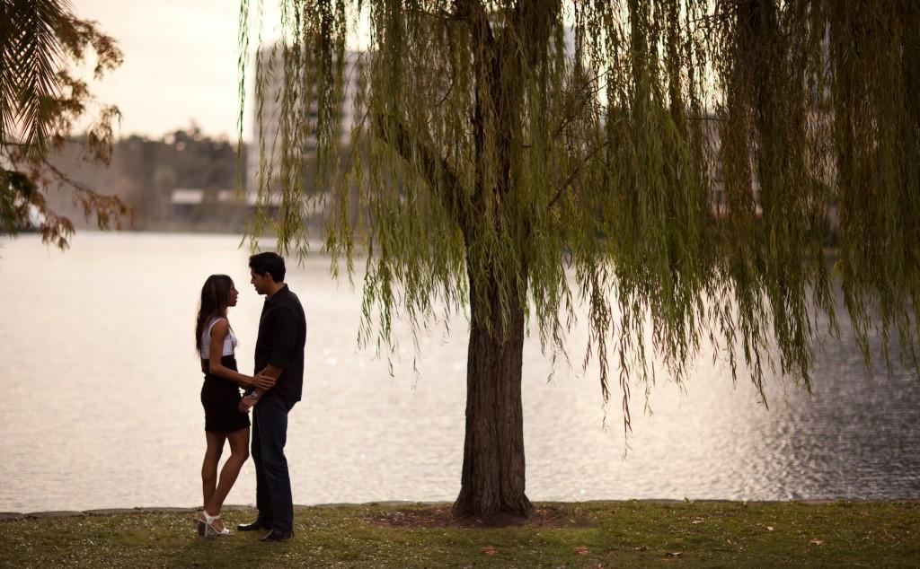 lake eola engagment photographer