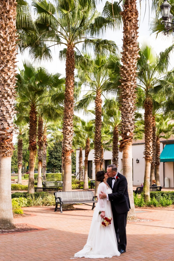 Orlando wedding photographer Lotus Eyes Photography